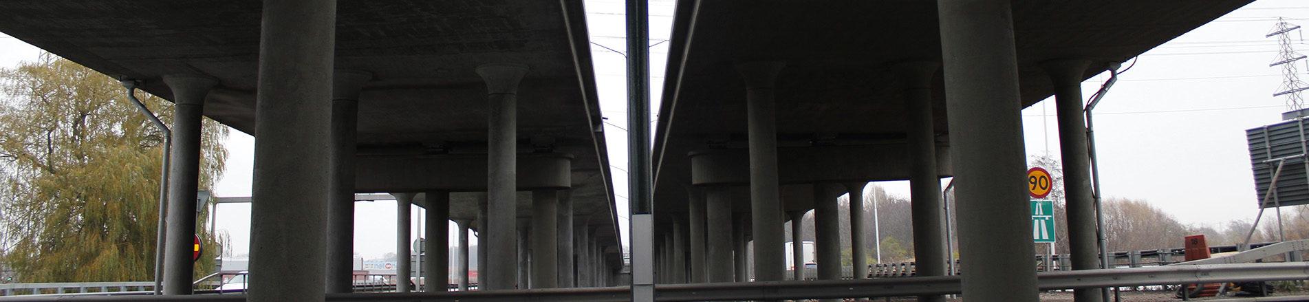 Underpinning bridge